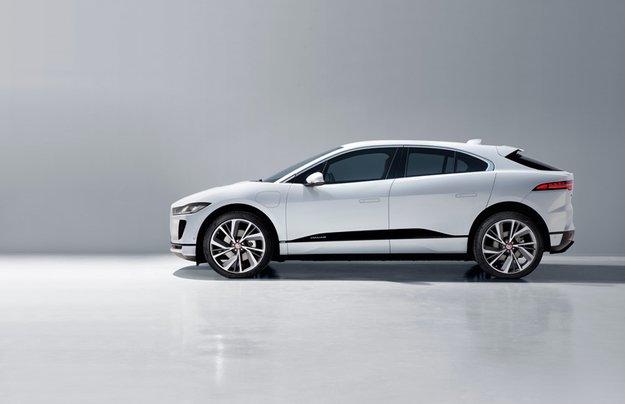 Электромобили начинают дешеветь: первым стал Jaguar I-Pace