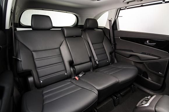 3rd-Generation-Kia-Sorento_Europe-Spec-(2nd-Row-Seats)