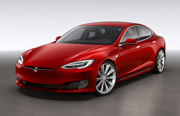 Tesla показала электромобиль срекордным запасом хода