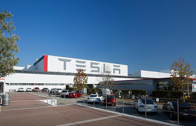 Tesla Motors покупает германского производителя индустриальных роботов