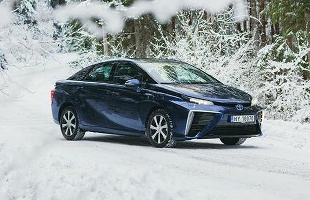 Тойота потратит миллионы долларов напостройку экологичных машин