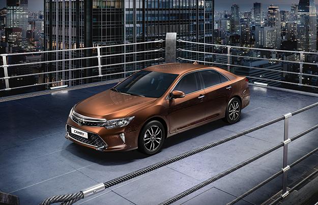 Тойота  создала новейшую  Camry специально для РФ  без изменения ценника