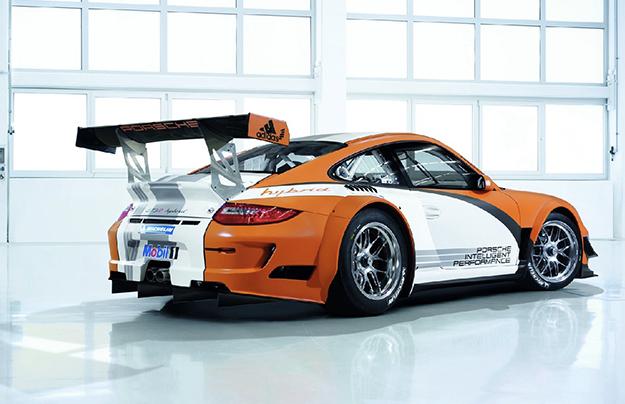 Разработку гибридного Порше 911 Hybrid заморозили еще вследующем году