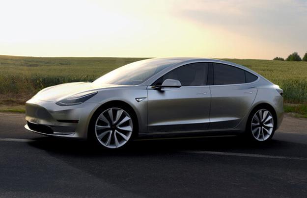 Илон Маск готовится объявить овыходе новоиспеченной модели Tesla