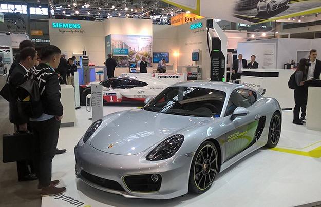 Порш презентовал электрический спорткар Порше Cayman E-Volution