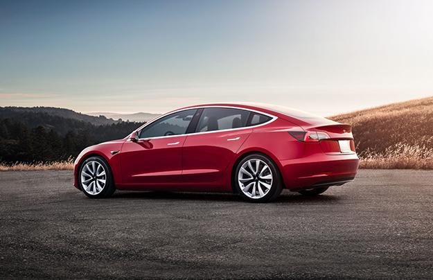 В Российской Федерации поступят в реализацию электрокары Tesla Model 3
