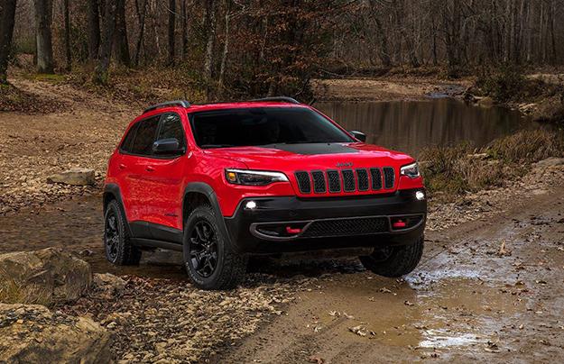 Jeep всередине зимы следующего года представит обновленную версию Cherokee