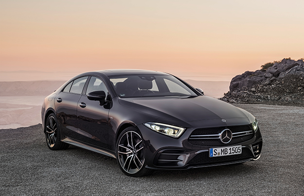 Benz CLS иE-Class превратили в435-сильные гибриды