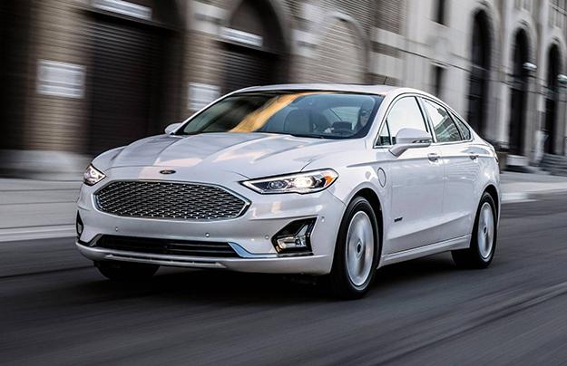 Форд презентовал улучшенный седан Fusion