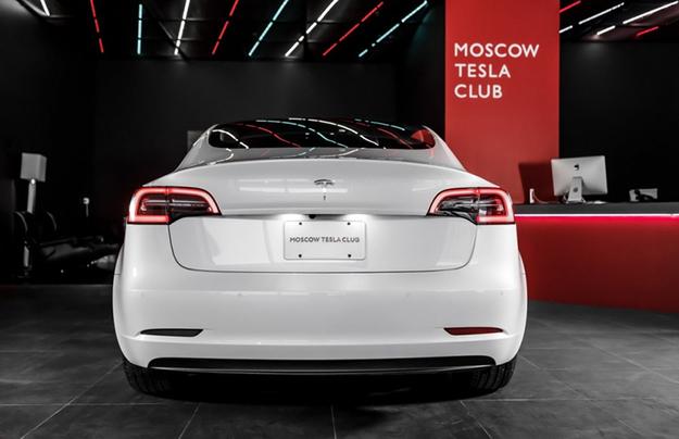 В Российской Федерации через интернет продали 276 электрокаров Tesla